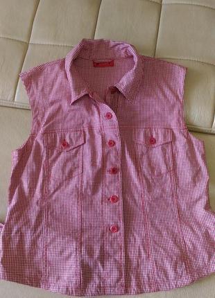 Женская рубашка в клетку без рукавов