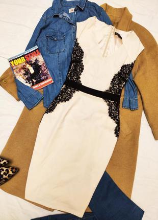 Warehouse платье миди классическое бежевое с чёрным гипюром по...