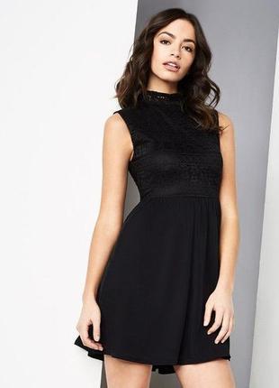 Boohoo платье чёрное новое кружевное с шифоновой юбкой свободной