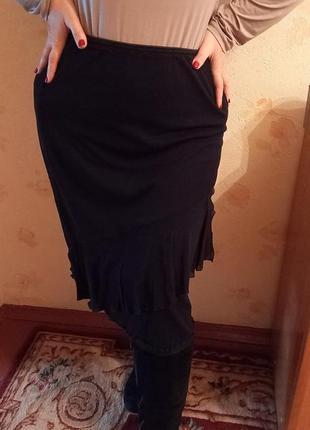 Черная юбка для пышных модниц