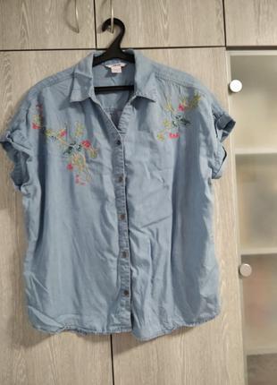 Блузка голубая джинсовая  Alia с вышивкой