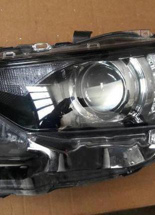 Toyota Auris Фара 81170-02K30 81150-02K30