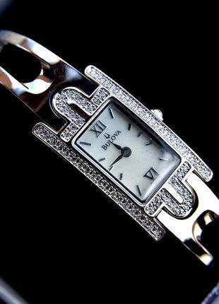 Женские часы браслет bulova с цирконием. подарок девушке женщине