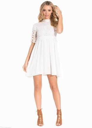 Нежное платье на размер с