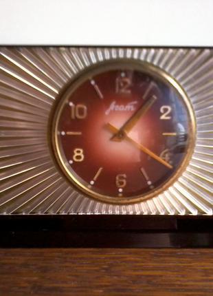Настольные/кабинетные часы «АГАТ», ЗЧЗ, СССР, 60-е годы.