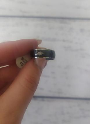 Кольцо бижутерия эмаль чёрная 19 размер