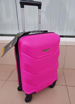 Чемодан фирмы Wings 147 pink производства Poland