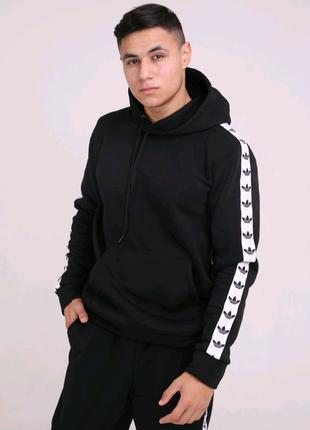 Мужское худи утеплённое чёрное с бело-чёрными лампасами Adidas