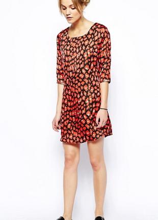 Платье короткоеяркое красное шелкв анимал принтот брендаma...