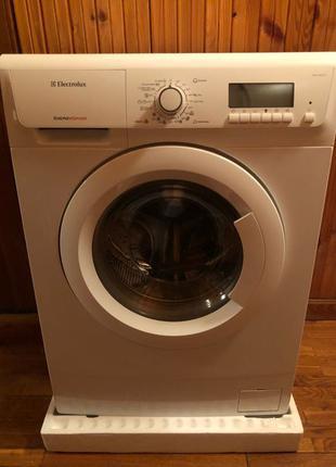 Продам стиральную машину ELX.