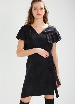Платье легкое,черное на запах от never denim