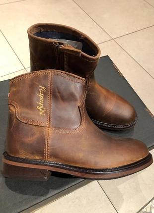 Кожаные деми ботинки napapijri .размер 36