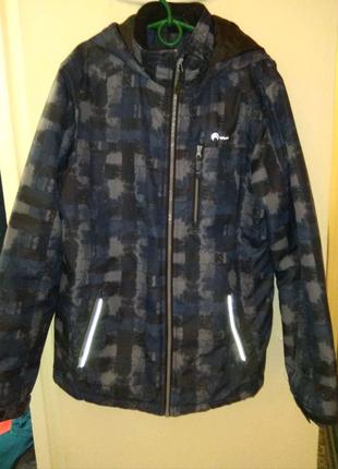 Продам куртку демисезонную outventure в хорошем состоянии.