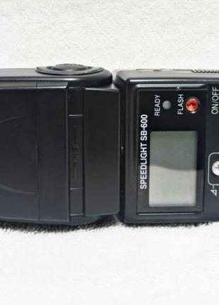 Фотовспышка Nikon Speedlight SB-600/Nissin Di700