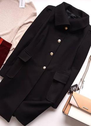 Пальто тепле чорного кольору zara