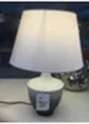 Классическая настольная лампа из керамики