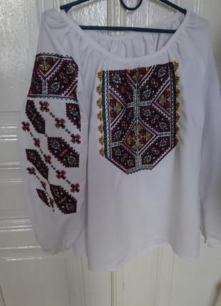 Жіноча блуза вишита чеським бісером 52 розміру.