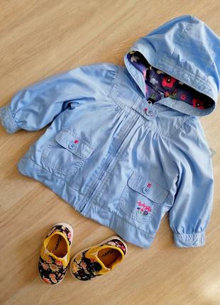 Нежная курточка с капюшоном на девочку Baby Gap.