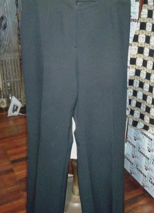 Классические брюки с высокой посадкой р 48-актуально комфортно