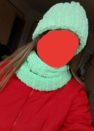 Комплект шапка и хомут.
