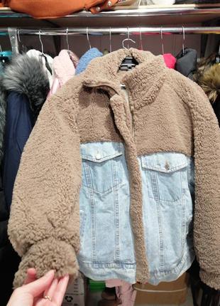 Утеплённая джинсовая куртка на натуральной овчине тедди бараше...