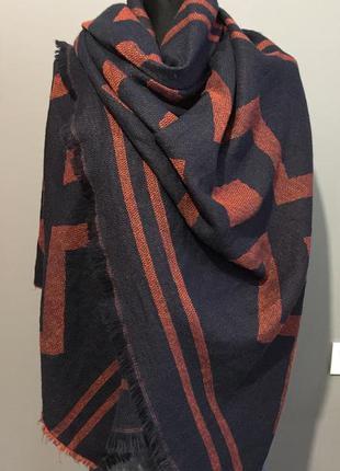 H&m  большой тёплый шарф палантин.