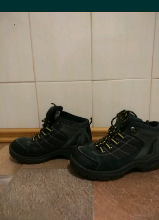 Ботинки унисекс.36р.