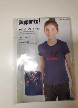 В наличии футболка   от бренда Pepperts