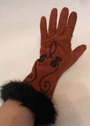 Шикарные, редкие, винтажные, замшевые перчатки nina ricci