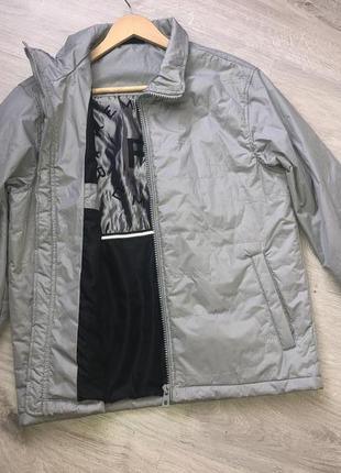 Очень стильная осенняя мужская куртка . ветровка осенняя