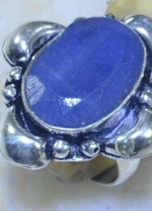 Кольцо с природным сапфиром в серебре 17,0 р
