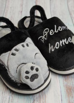 Детские меховые тапочки комнатные для дома домашние k102 черны...