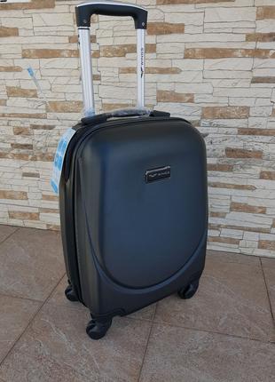 Классическая модель чемоданы Wings 310 Black