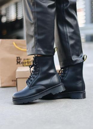 Женские шикарные ботинки dr. martens 1460 classic черные