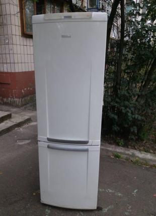 Холодильник Electrolux erb 36402w. Рабочий. Дачный вариант