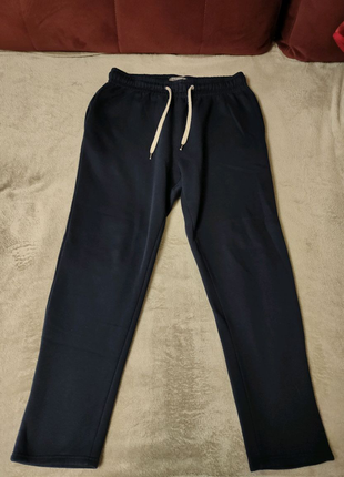 Тёплые спортивные штаны Primark.