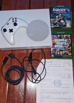 Xbox one s в отличном состоянии
