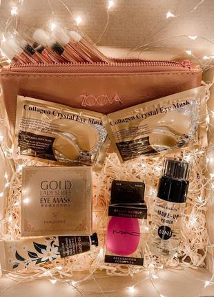 Набор косметики в подарочной коробке
