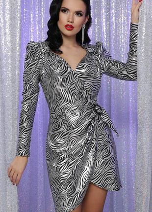 Эффектное вечернее платье