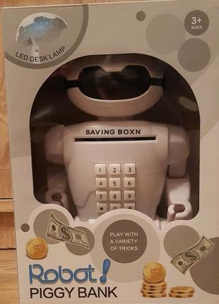 Детский робот сейф с настольной лампой.