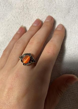 Кольцо под золото с оранжевым камнем