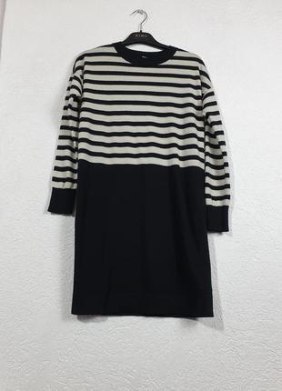 Полушерстянное платье в полоску uniqlo