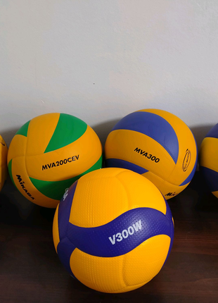 Мячи v300w волейбольные Mikasa м'ячі волейбольні Микаса mva cev
