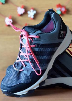 Женские треккинговые кроссовки adidas kanadia 7 terrex (р. 39)