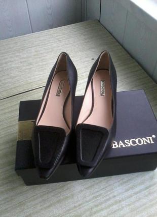 Туфли лодочки на устойчивом каблуке basconi