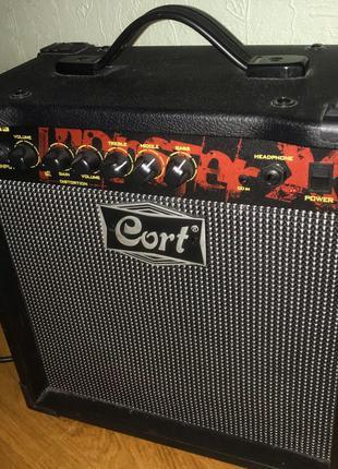 Комбоусилитель электрогитары CORT MX15