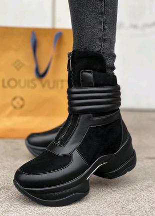 Женские ботинки на меху