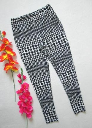 Классные стрейчевые брюки леггинсы с велюровым орнаментом topshop
