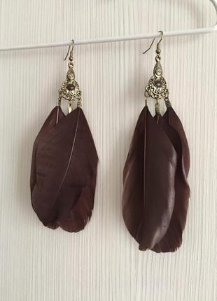 Шикарные серьги перья шоколадного цвета