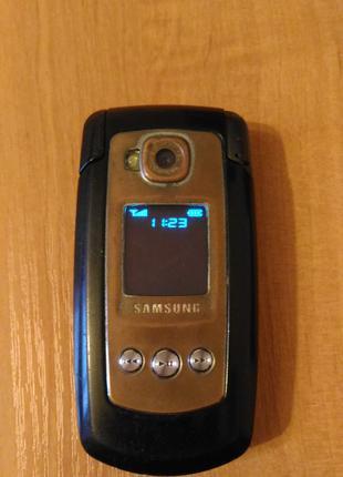 Телефон Samsung sgh-e770 раскладушка с  зарядкой